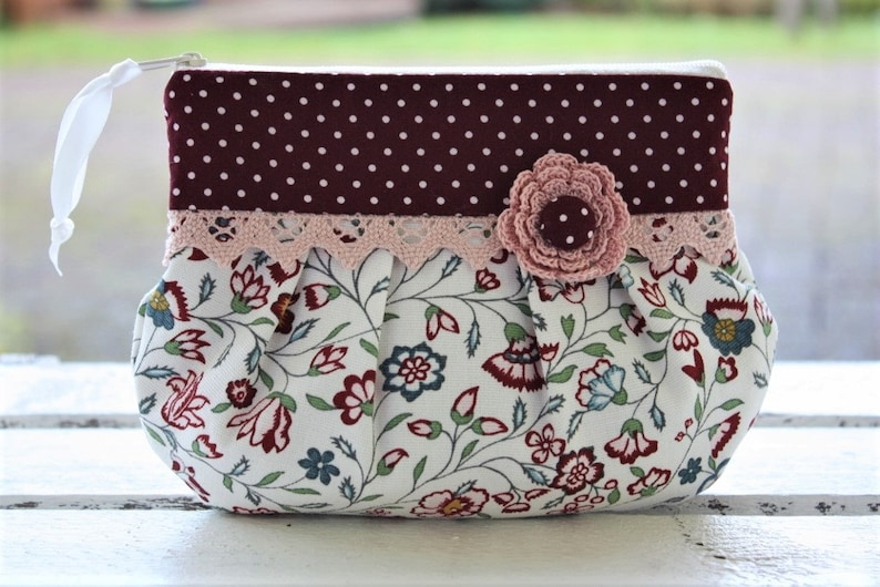 Makeup bags cosmetic bags romantic playful lace vintage image 0