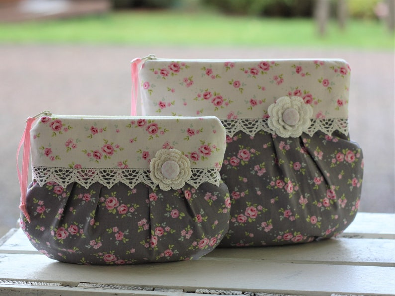 Make-up pouch cosmetic bag romantic playful lace vintage image 0