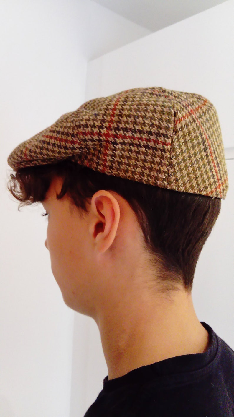 b9288417521d9 Tweed Flat Cap from Lock   Co London Newsboy cap Driving cap