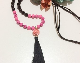 Black and pink long necklace