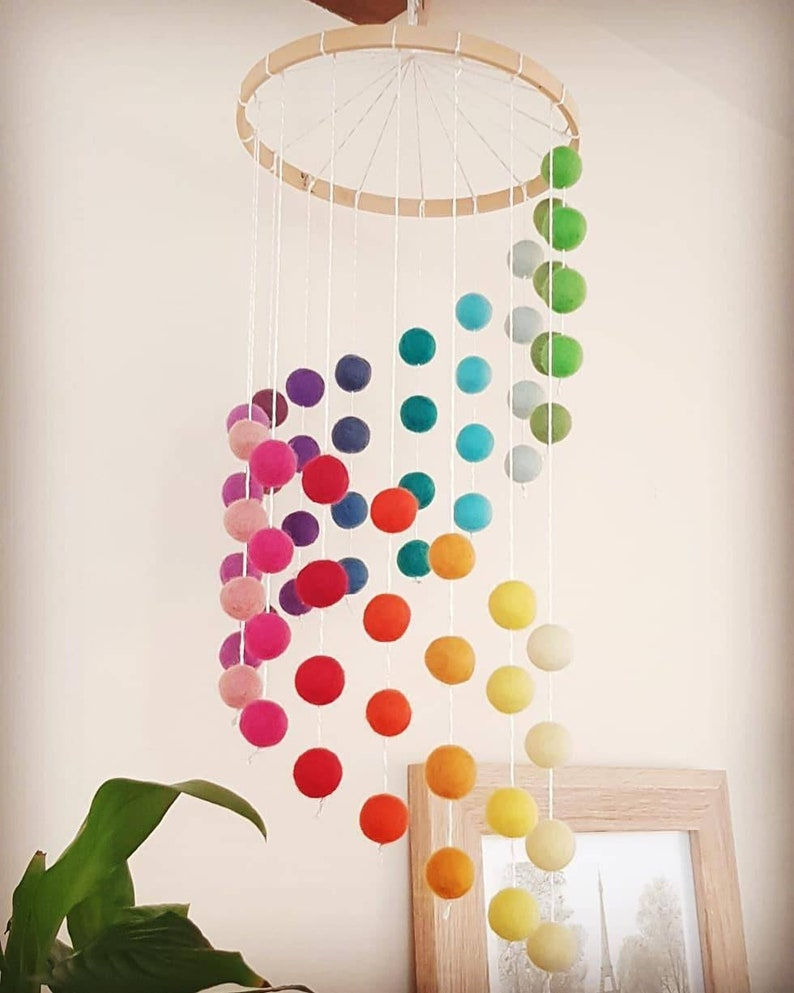 baby gift Rainbow Rainbow Cascading Felt Ball Mobile Nursery Decoration Shades