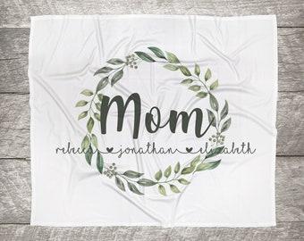 Customized Mom, Nana, Grandma, Kids Names Blanket - Green Wreath