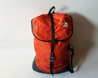 7aa9d2f570af Vintage Backpack   Hiking Backpack   Rucksack   Retro   Red-Black    Yugoslavia   70s