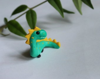 Tiny dinosaur for flower decoration, tiny dinosaur for fairy garden, miniature dinosaur.