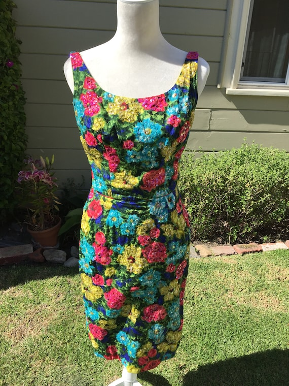 Vintage Dress. Vintage Clothing. Wiggle Dress. 50s
