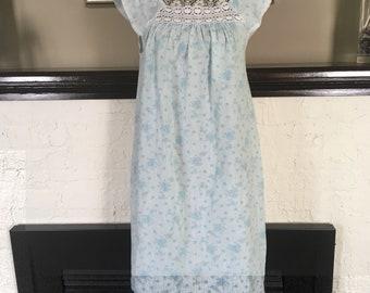 Vintage 1960's cotton & lace blue nightgown