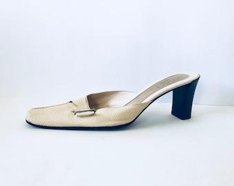 557ea9afbed GUCCI Beige Leather Square Toe Vintage Mules EU 38.5 B Luxury Designer Kitten  Heel Sandals