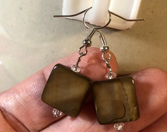 Mother of Pearl Square Simple Earrings