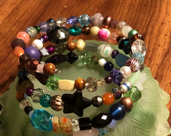 Jesse James Beaded Memory Wire Bracelet fits size 7-8.5  Unique, One of a kind, Handcrafted multicolor star