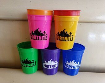 Game 12oz plastic reusable cups, game party favors, different colors