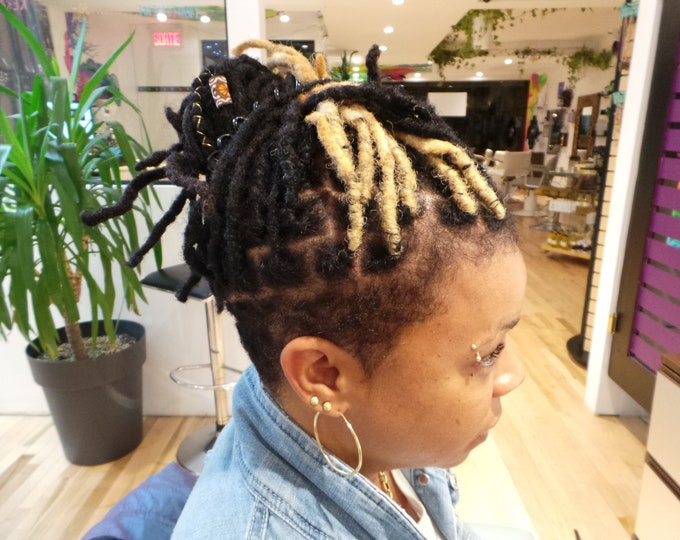 """CUSTOM LOC EXTENSIONS - Custom Colors & Sizes-  10""""- 50 pieces  - Afro Kinky 100% Human Hair"""