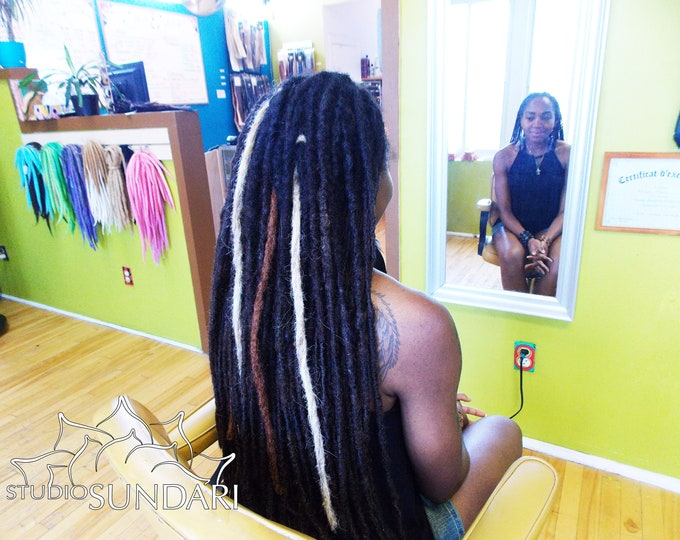 """CUSTOM LOC EXTENSIONS - Custom Colors & Sizes-  20""""- 50 pieces  - Afro Kinky 100% Human Hair"""