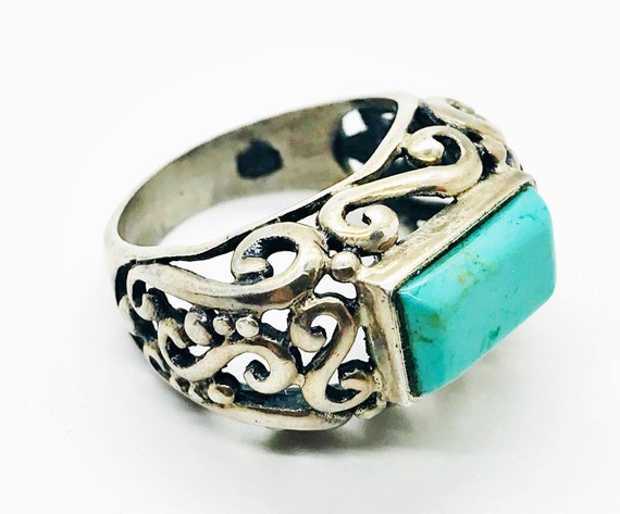 Vintage Turquoise Gemstone and Sterling Silver Sta