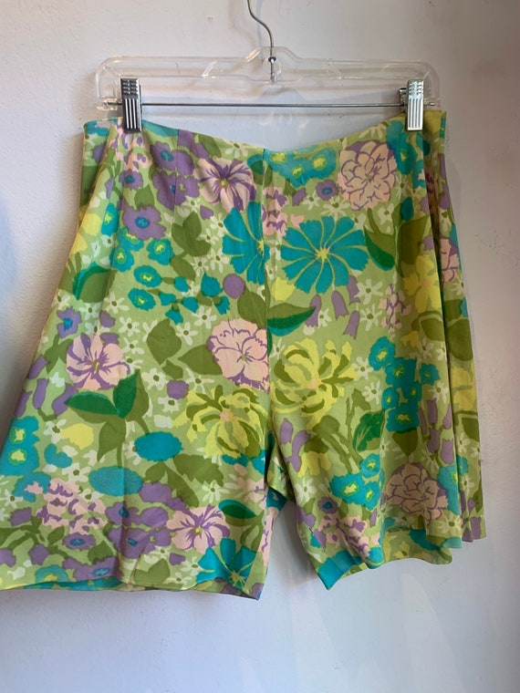 Most excellent pair of floral 60s knit shorts.