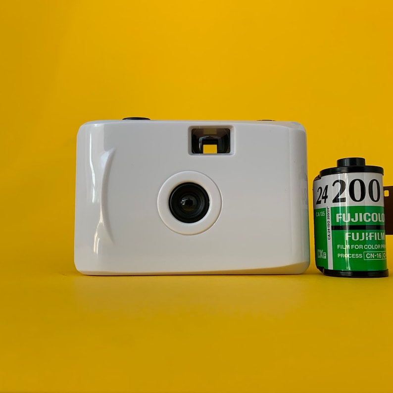 White Waterproof Focus Free 35mm Point and Shoot Film Camera Underwater  with FREE FILM