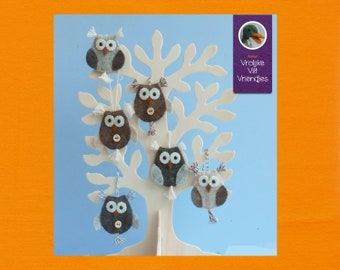 Owls with feathers PDF Pattern & Tutorial in English