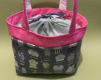 Gray Cactus Insulated Drawstring Lunch Bag