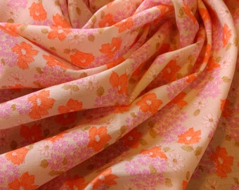 Cute bright vintage floral in pink and violet from the late 1970s