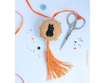 Black Cat and Kitten Scissors Fob/Ornament Blackwork and Beads Pattern (PDF)
