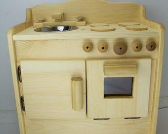 Wooden kitchen toy owen