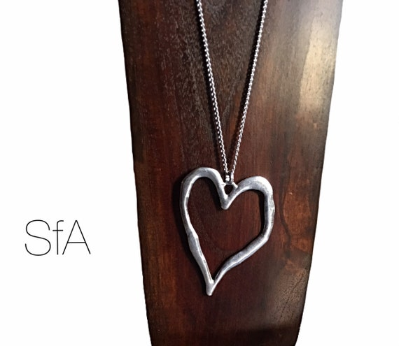Lagenlook quirky, classic large heart pendant on long chain.