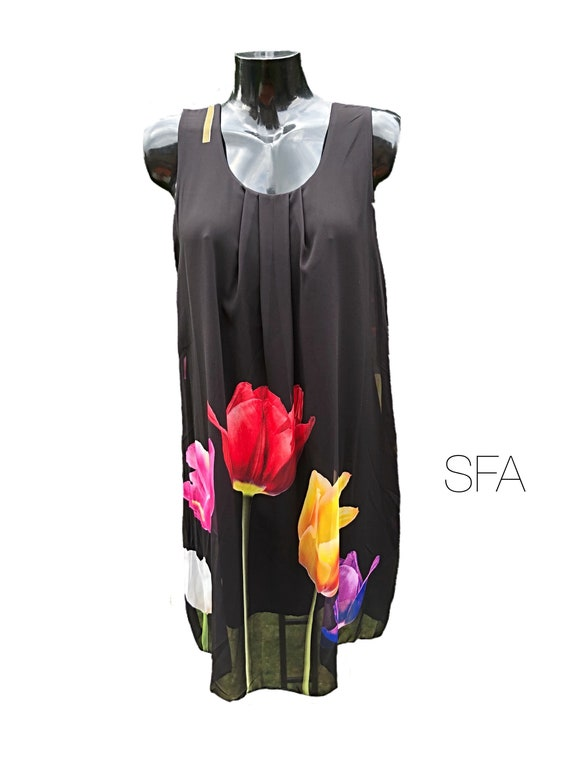 Stunning lined tulip dress. Made from viscose and cotton. In 3 different colours.