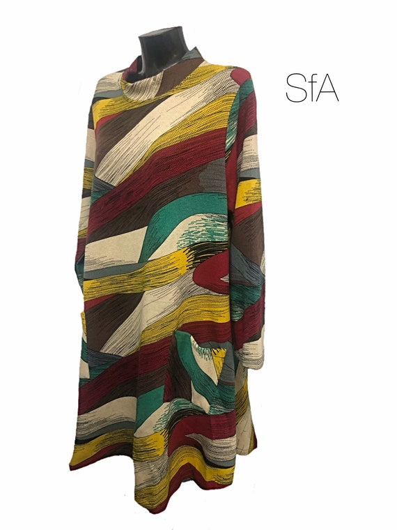 Stunning lagenlook dress, Bella blue, with cowl stand up neck and multi coloured pattern. Super soft feel. 2 sizes Sm to 3XL 5XL