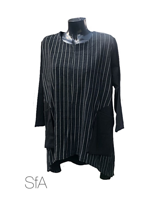 """Neslay Tunic, Super Stretchy, Black WIth white misMatched stripes. Size 3XL Bust 52"""""""