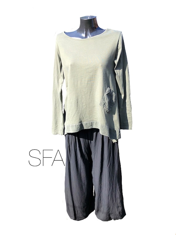 Lagenlook long sleeved thick cotton and fine cord edging and pocket. In 6 different colours, new season.