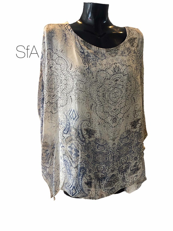 Silk bat winged top, blouse with fitted stretch body. Size UK 10-16
