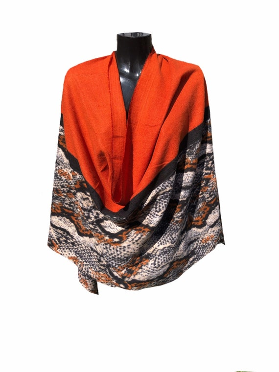Unisex panel animal, snake print scarf, super soft, perfect present. Various colours. Fabulous long tassels.