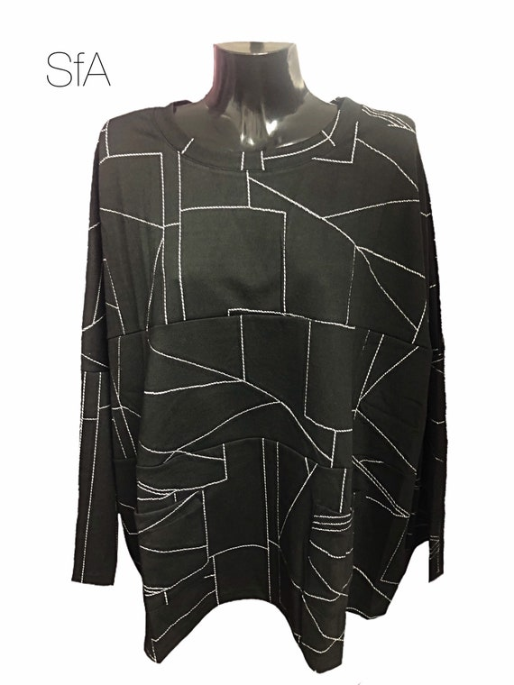 Bella Blue, Lagenlook tunic, top. With geometric white lines. Plus size, pockets. Size 12, 14, 16, 18, 20 size 3XL