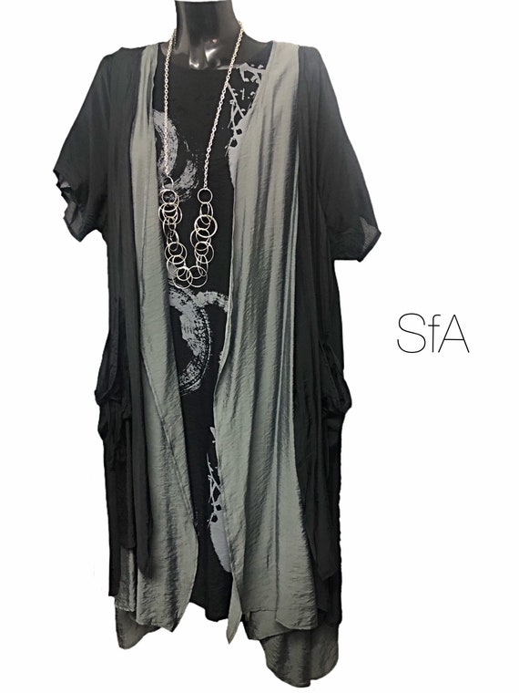 Silk duster coatdouble front layered, in black and grey.