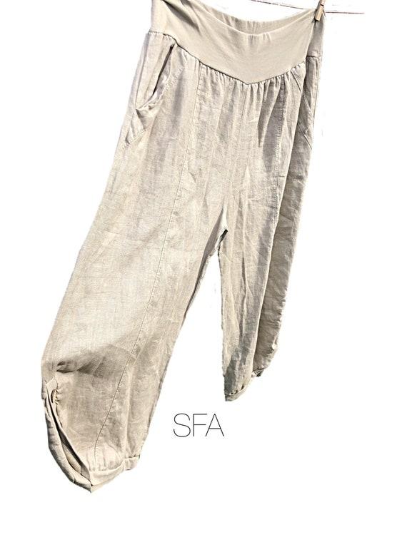 Lagenlook, Linen pants, 3 quarter length, with button detail. Plus side XXL, last pair