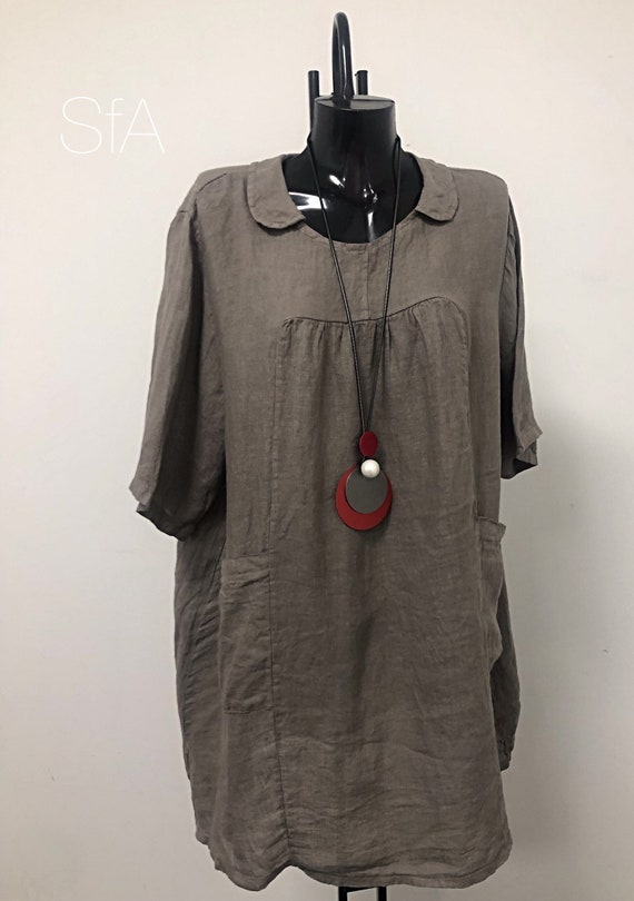 Lagenlook quirky linen tunic or dress, with rounded collar and side pockets, plus size. 3XL