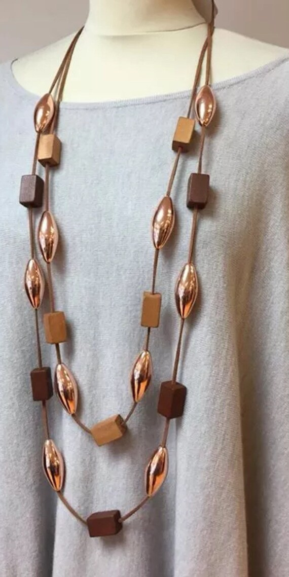 Lagenlook, double row of gold tubes and 2 tone wooden cubes necklace.