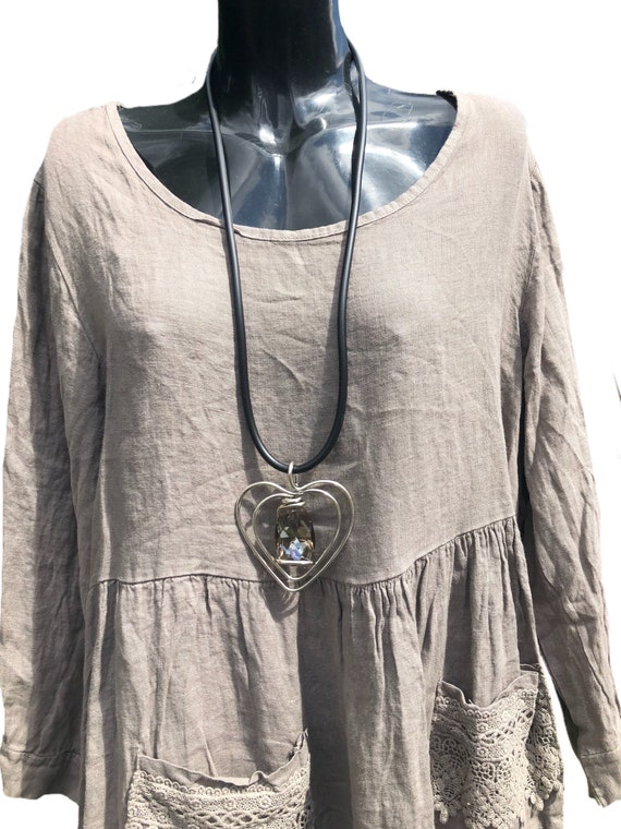 Lagenlook  thick black rubber necklace. With twisted wire heart with large glass crystal in smokey grey.