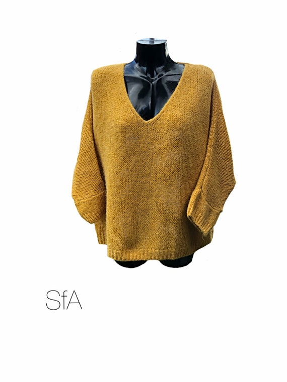 V-neck slouch jumper, sweater. Size UK 10, 12, 14, 16, 18, 20 plus, universal size 3XL.