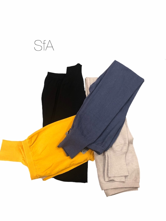 Fine knit, super soft wool leggings. In 4 different colours size 10-14 U.K. size large