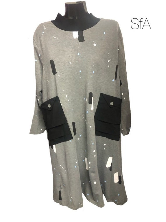 Lagenlook quirky dress by Bella blue, in grey with paint splash effect, and patch pockets. Plus size Size L/XL