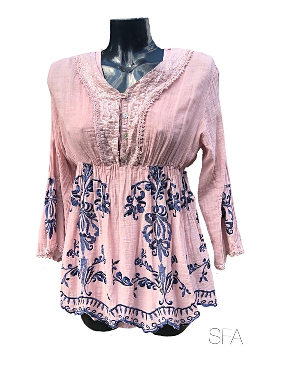 Lagenloook 2 piece tunic, in pink or grey, embroidered trim in dark blue, with empire fit, size XL uk
