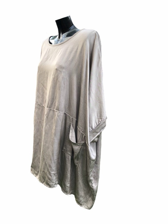 Lagenlook satin effect panel top with pockets, fabulous drapped effect. In taupe or black.