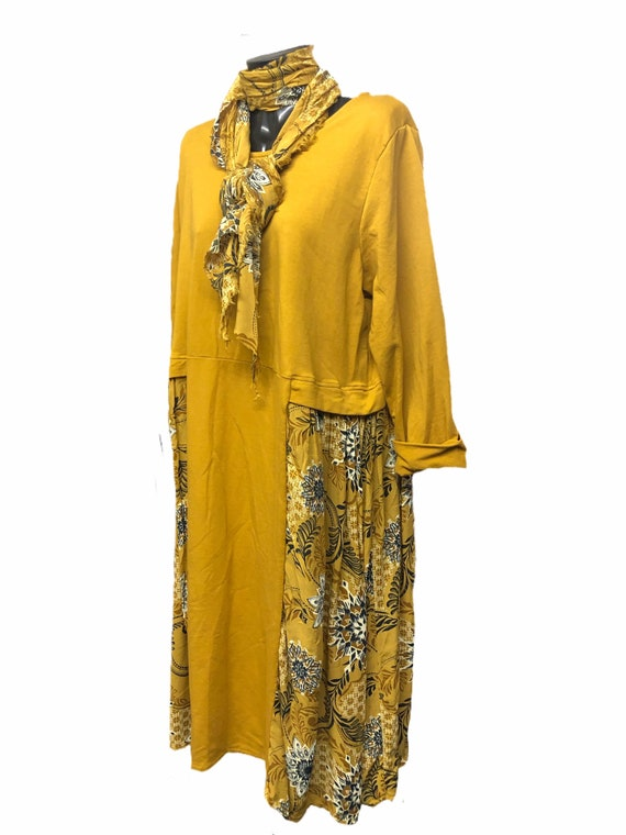 Lagenlook dress, with floral panel and raw edge scarf, size XXL