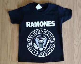 f5f439a5f45 RAMONES† - KiDS - Presidential Seal Logo - Black Unisex Tshirt - Xs- Xl