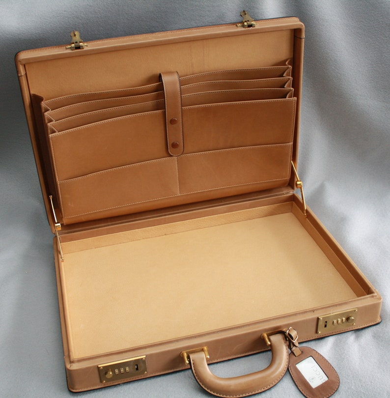 a90a26bdd28 Authentic Vintage Rare Gucci Accessory Collection Briefcase