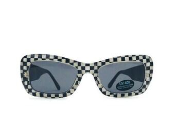 71ab49e14b9 Vintage Retro Cat eye Sunglasses Black   White Check Checkered Sunglasses