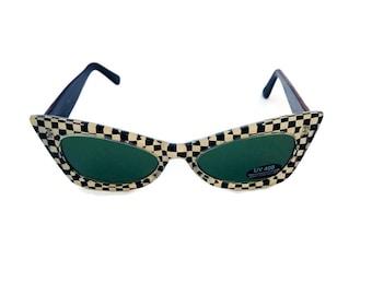 6067305caa Vintage Retro Cat-eye Sunglasses 90s Oval Sunglasses Black   White  Checkered Sunglasses Green Tinted Lens