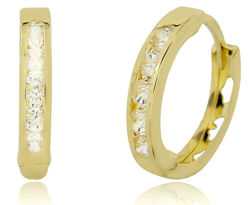 sitio de buena reputación 0bb7e 5dac8 Aretes de 14 Kilates Oro Amarillo Solido con Diamantes Simulados de .60 tcw