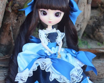 Blue pullip dress