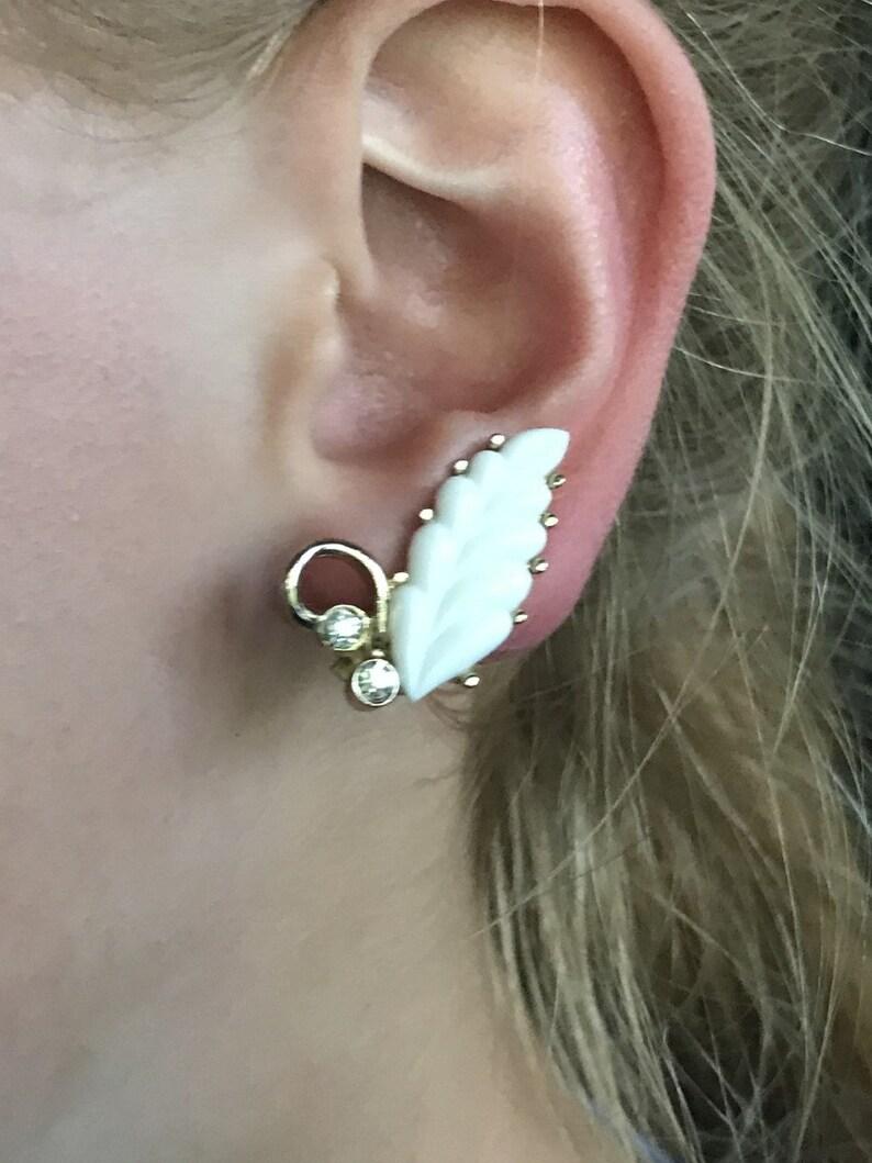 Kramer White Leaf /& Rhinstone Clip Earrings